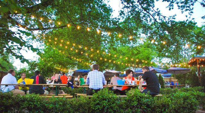 East-nashville-original-outdoor-dining-where-to-eat-in-music-city-best-burgers