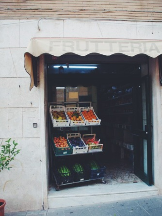 The local fruit stand in Ariccia